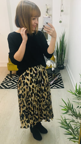 Moo Boutique Leopard Print Pleated Skirt