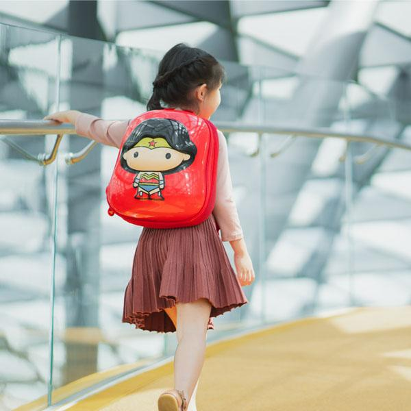 Justice League Wonder Woman 2D backpack on girl