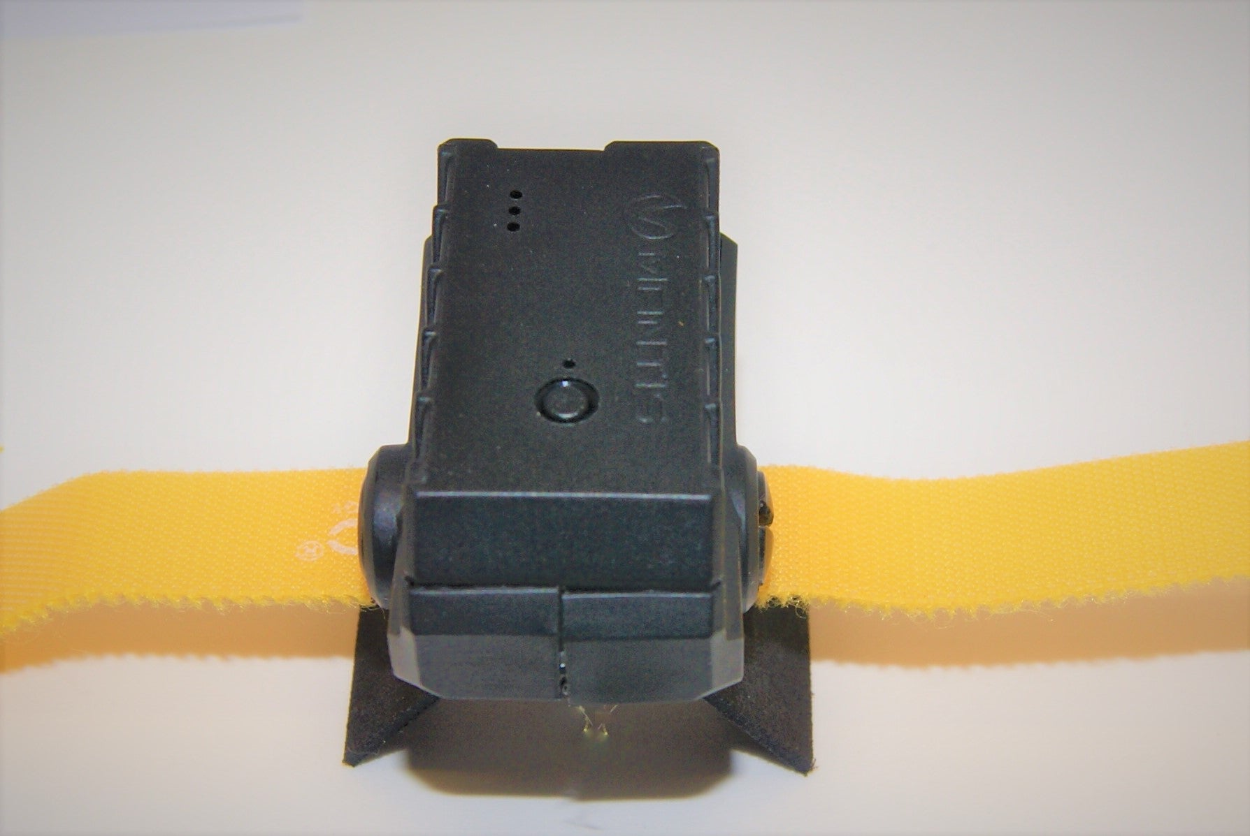 Xmount for MatisX senor on rifels and air rifles MantisX sensor with Xmount atached and yello valcro strap