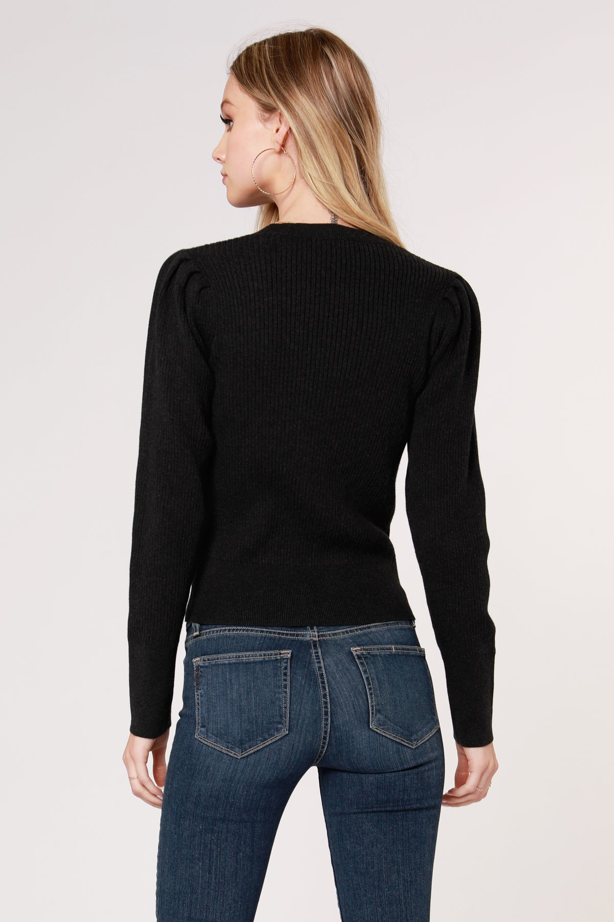 PLEATED SLEEVE RIB SWEATER