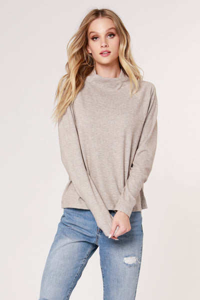 MOCK NECK RAGLAN TOP