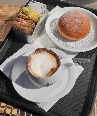 Romantic - Cappuccino e bombolone for 2