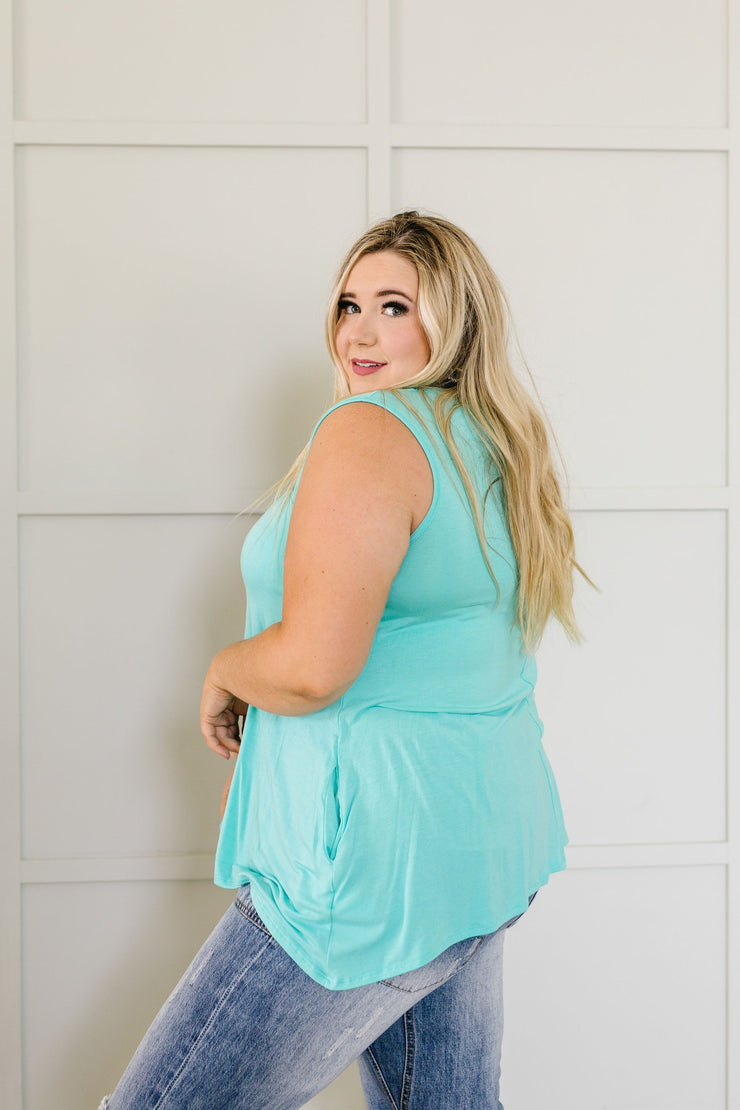 Keyhole & Pockets Tank In Mint - Simply Sass Boutique