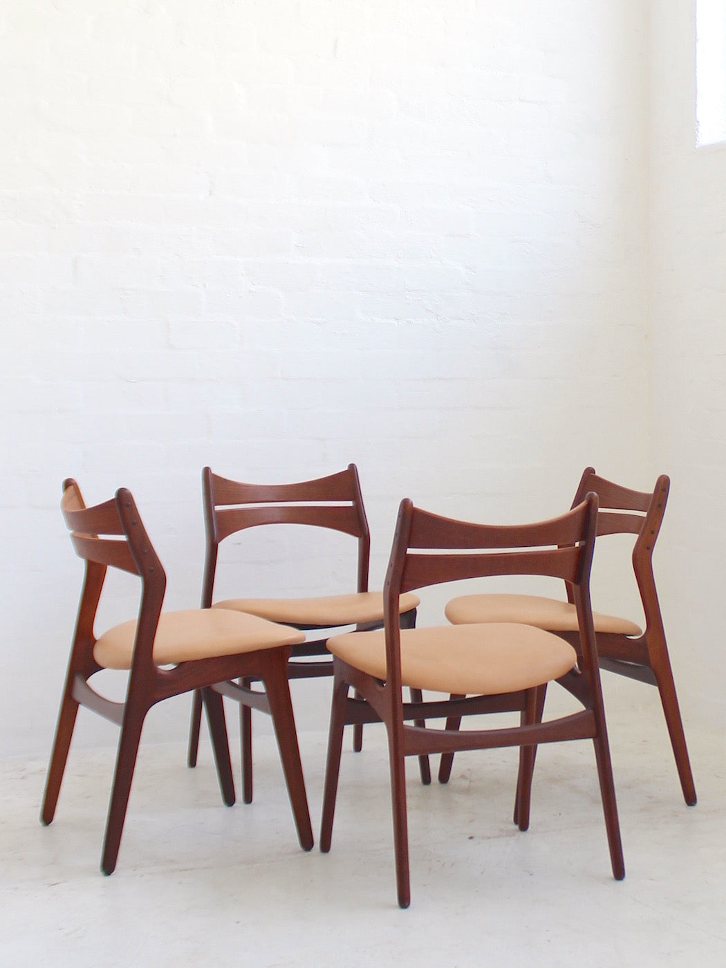 Erik Buch 'Model 1628' Chairs
