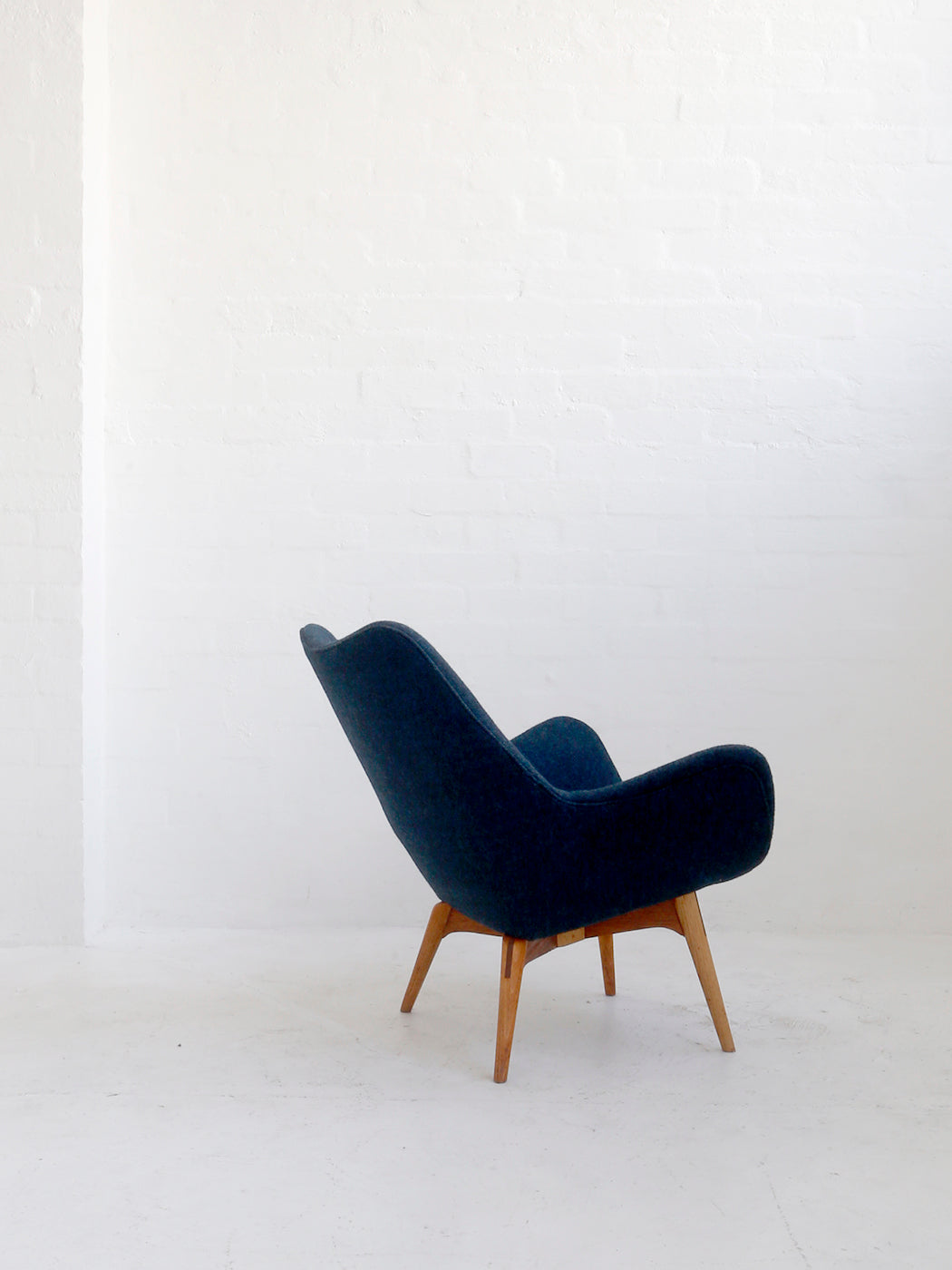 Grant Featherston B210 'Television' Chair