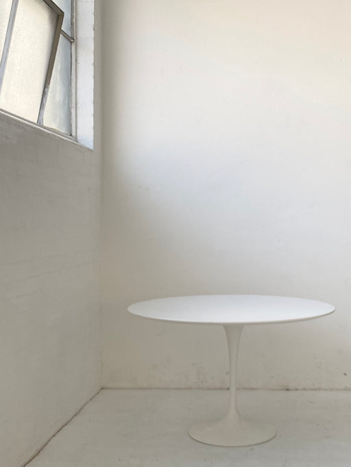 Eero Saarinen 'Tulip' Dining Table