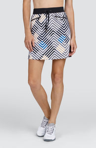 "Ann Skort - Lines - 18"" Outseam"