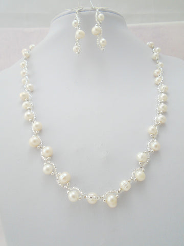 Pearl Seed Bead Necklace