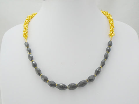 black spinel gold chainmail necklace
