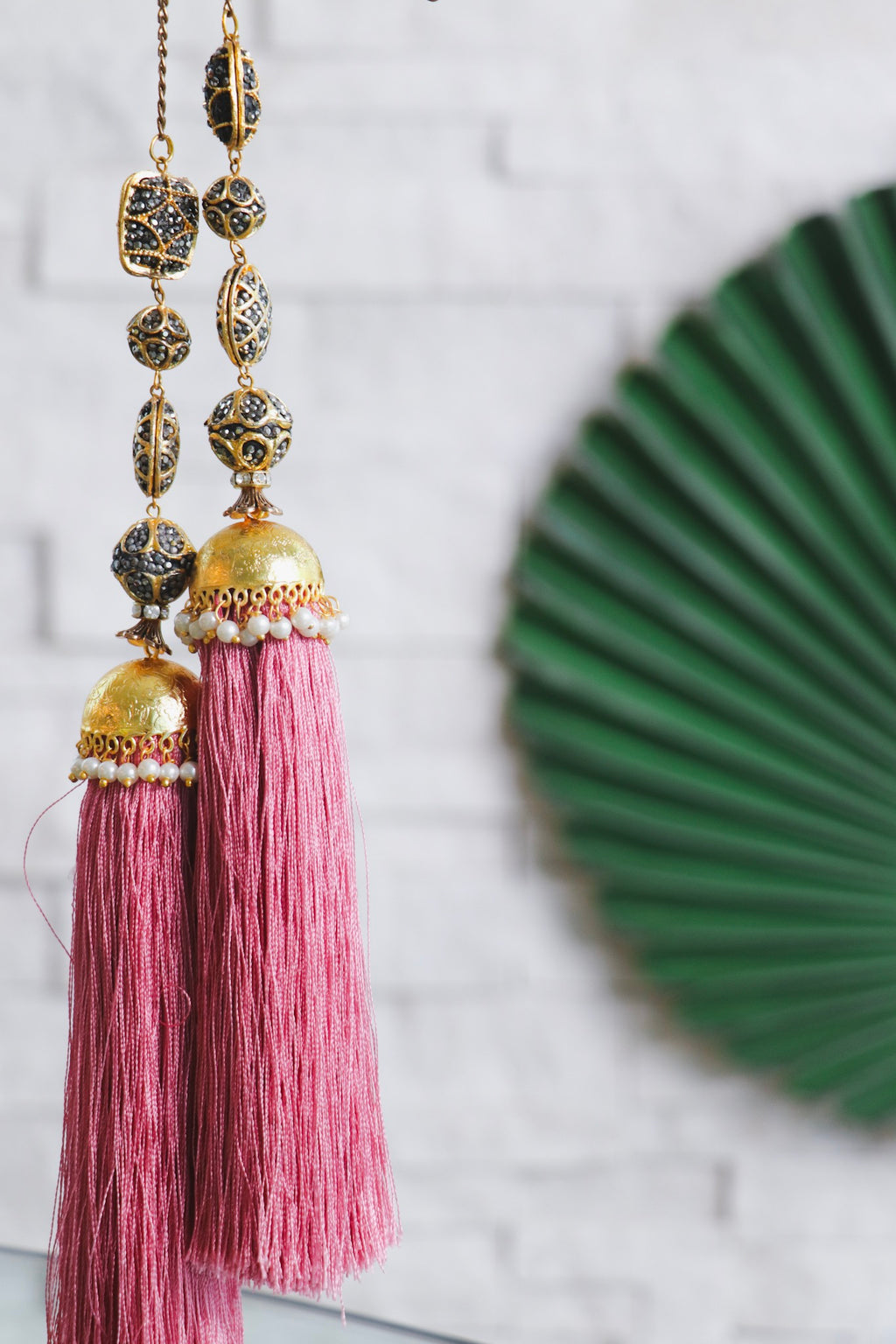 PINK TASSEL NECKLACE