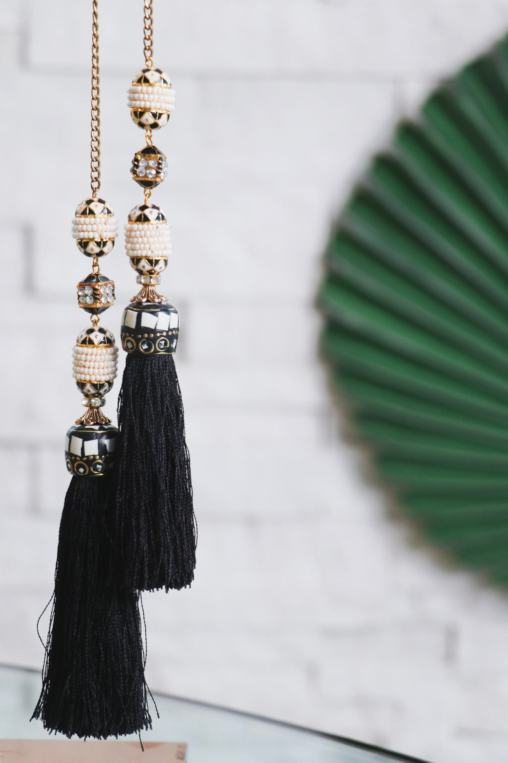 BLACK AND WHITE TASSEL NECKLACE