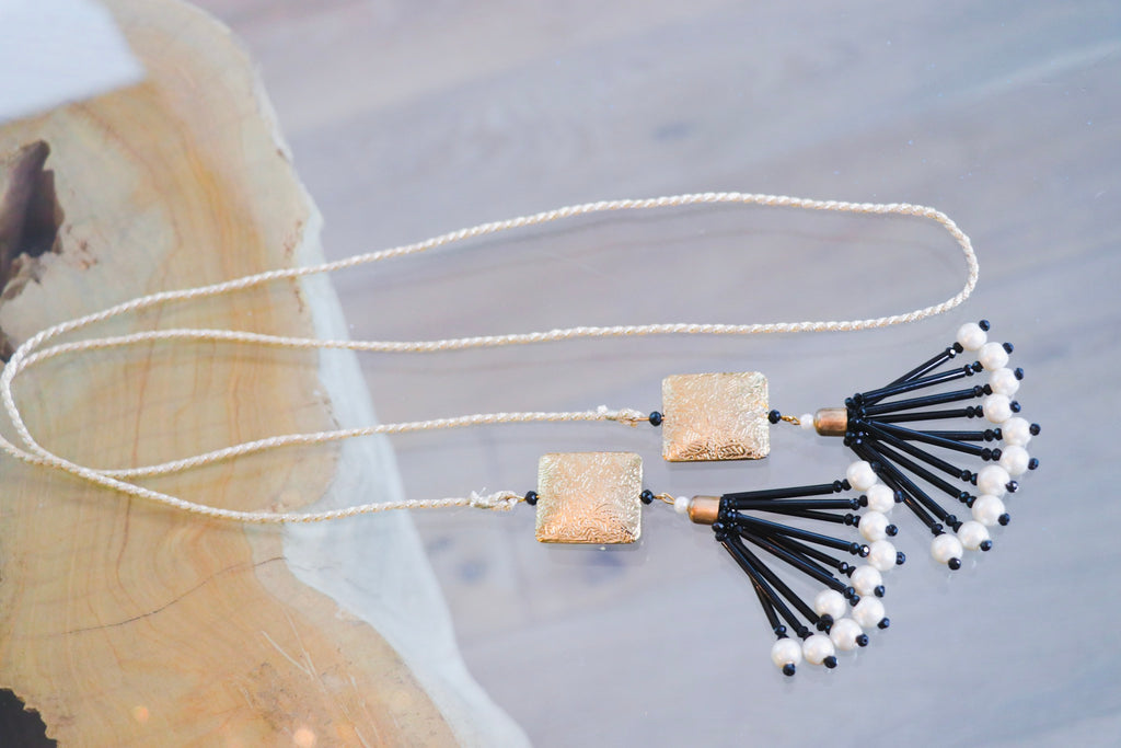 BLACK AND GOLD DORI NECKLACE