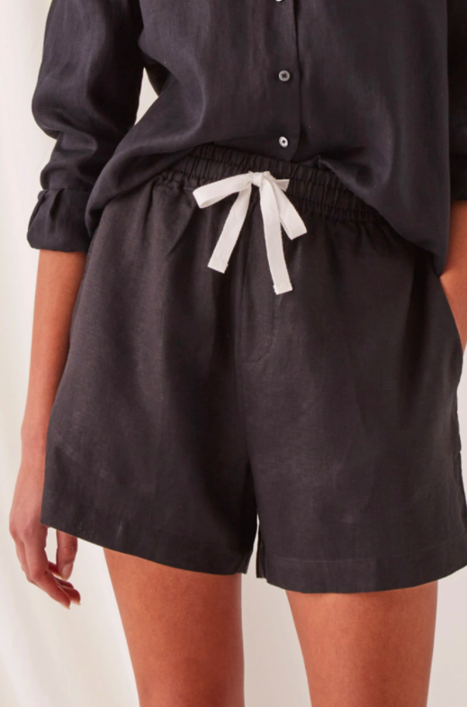 Ease Linen Short Black
