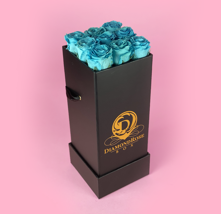 The Nine Carat Roses In a Box