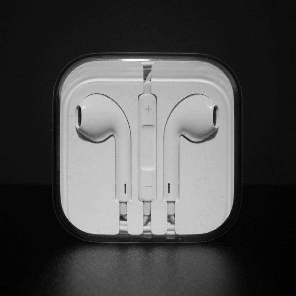 Apple EarPods With Lightening - Dool-X IT Republic