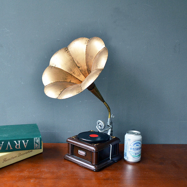 Metal Vintage Gramophone Sculpture/statue Vintage Record Player Model Home, Office, Club Bar, Loft Decorations/Home Decoration