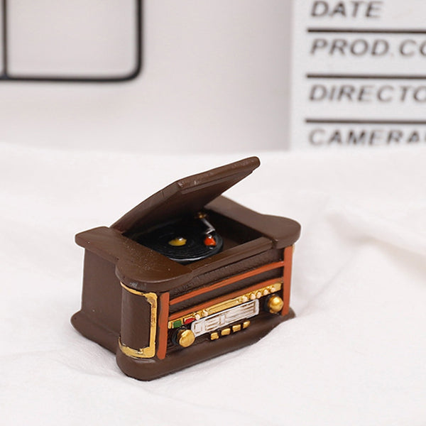 Mini simulation Ancient Vintage Music Player Model Resin Crafts Record player Dollhouse Micro landscape Decorations Home Decor