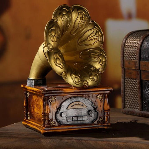 Vintage European Gifts Record Players Cafe Crafts Art Living Room Bedside Home Decoration Resin Ornaments Bar Gramophone Model