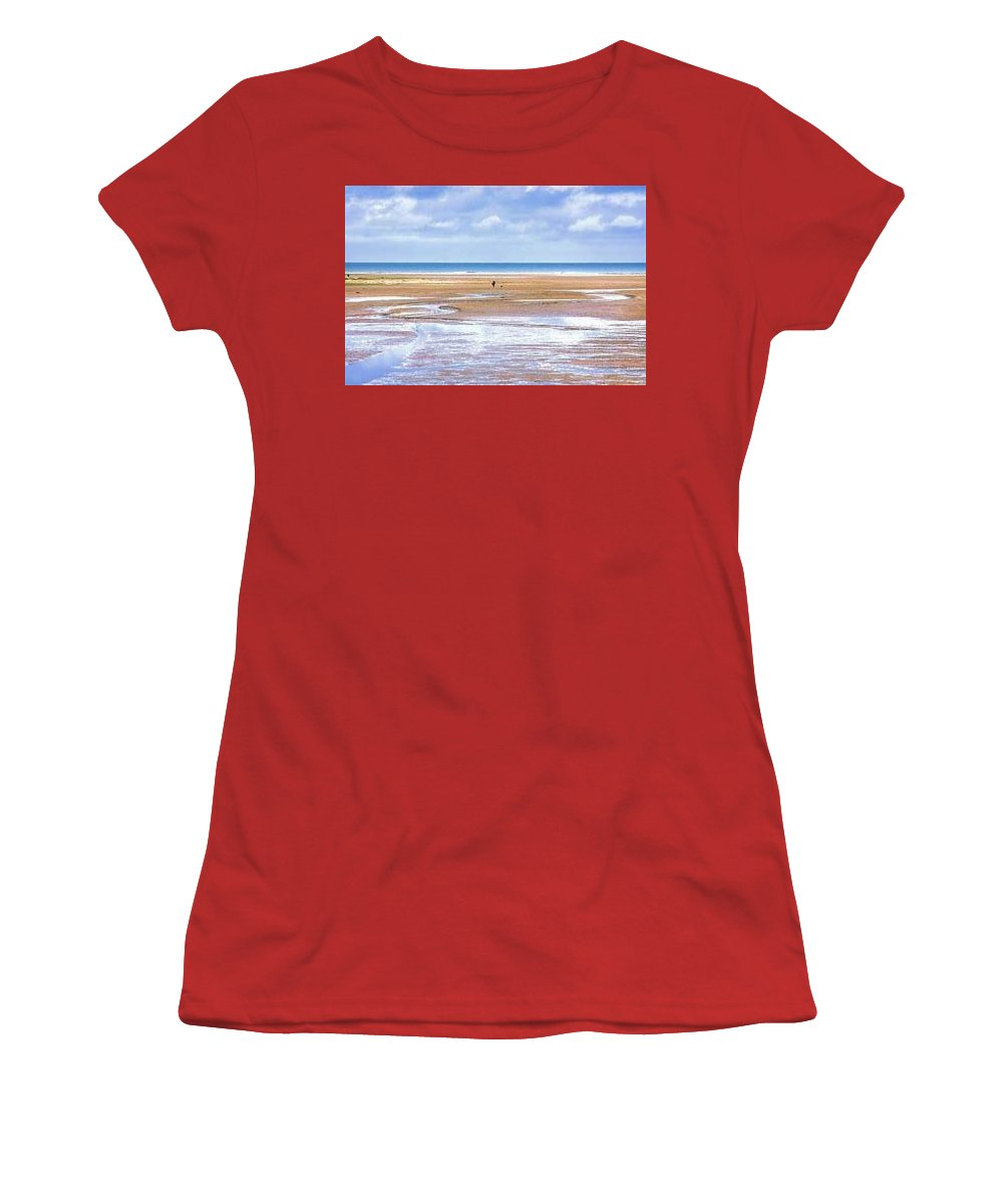 Beach - Women's T-Shirt (Athletic Fit)