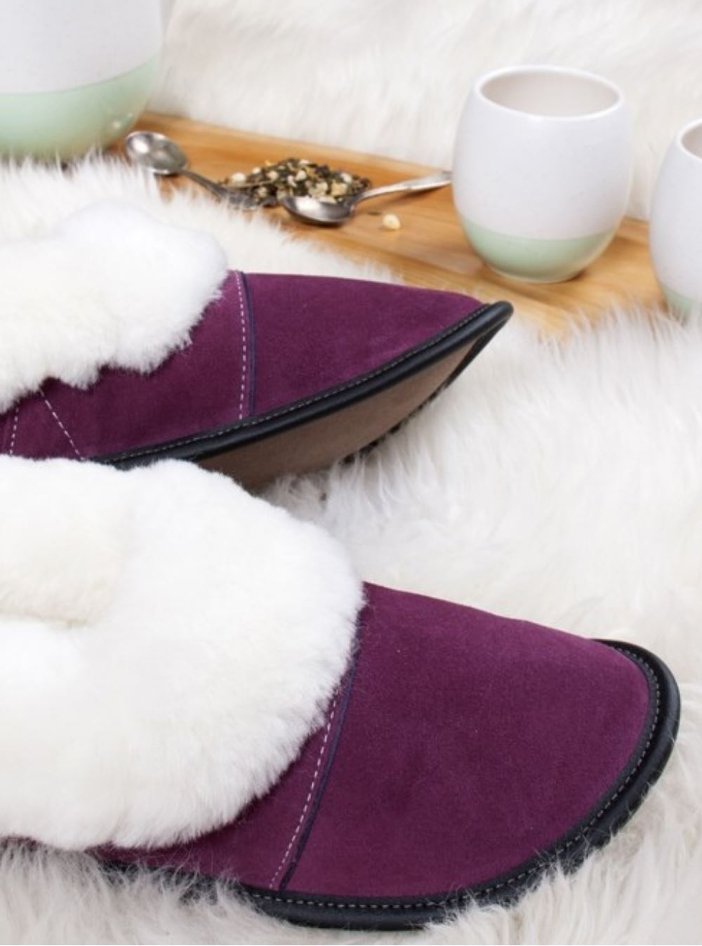 Plum Lazybone Slipper with White Sheepskin
