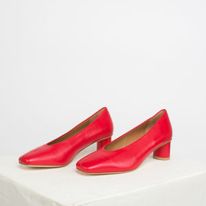 Camila Pump in Rojo