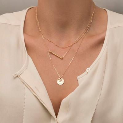 Delicate triple-layered Pendant Necklace