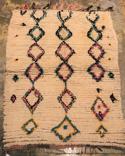 Vintage moroccan azilal flat weave medium area rug perfect for bedroom and living room store montreal the boho lab