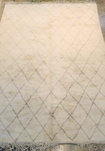 S255-Extra-large-rug-crem--light-beige-moroccan-rug-wool-handmade-atlas-mountain-carpet-handcrafted-tapis-marocain-pile-low-beni-ourain-soft-Beni-ourain-THE-BOHO-LAB