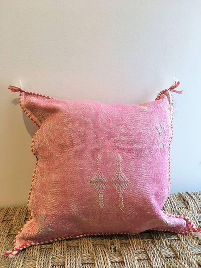 pink moroccan pillow with beige design