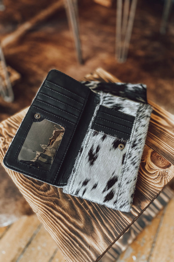The Greeley Cowhide Wallet - Black & White