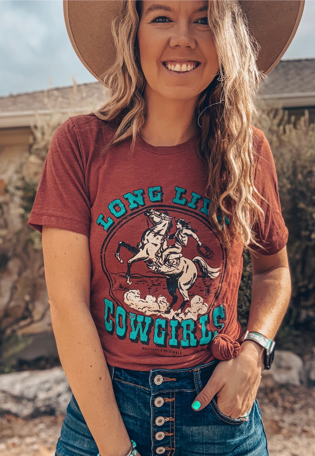 Long Live Cowgirls Tee (Clay)
