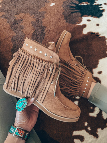 The O'Quinn Fringe Shoes