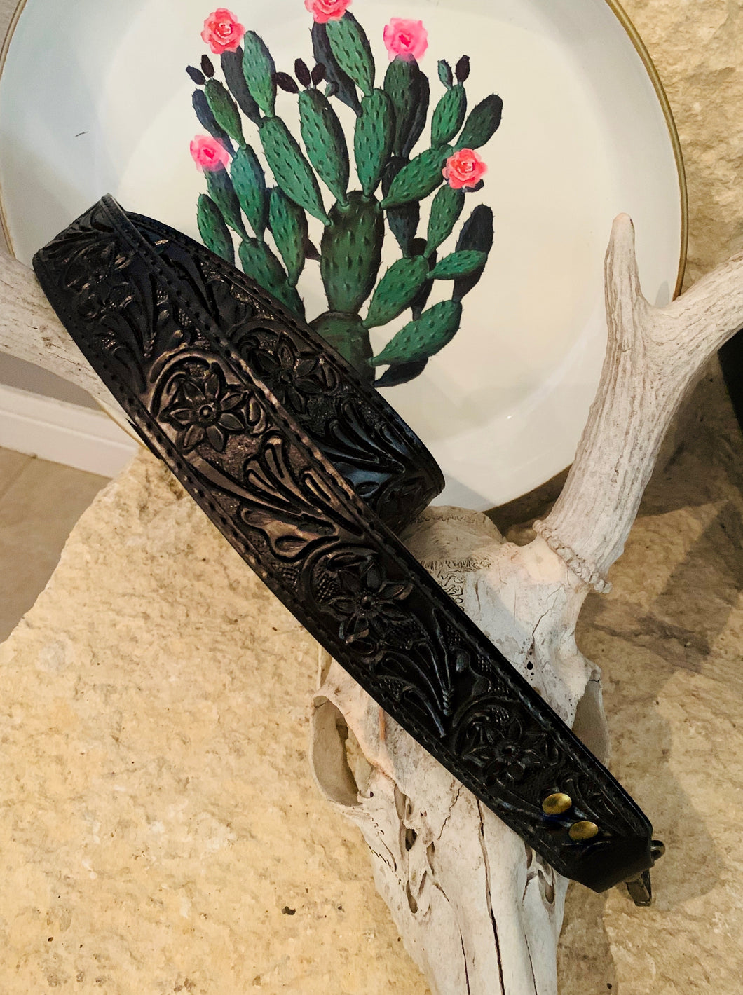 Leather Tooled Purse Strap (Black)