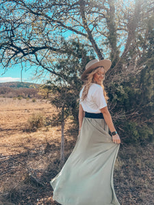 The Maydelle Maxi Skirt (Sage)