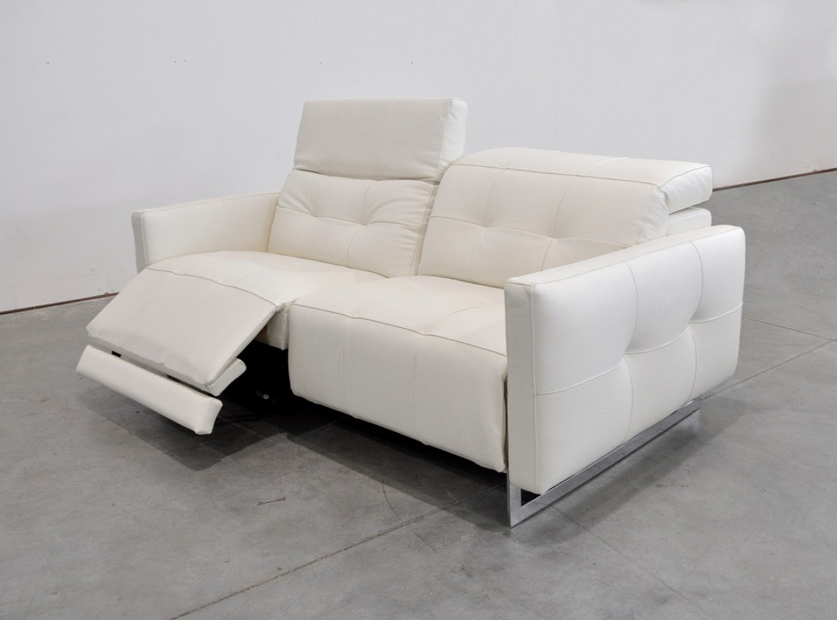 Picture of: Estro Salotti Duca Modern White Leather Sofa Set W Recliners
