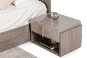 Italian Nightstands
