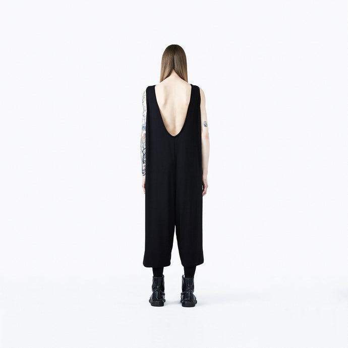 Jumpsuit oversize black back neckline