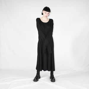 Black longlseeves dress woman