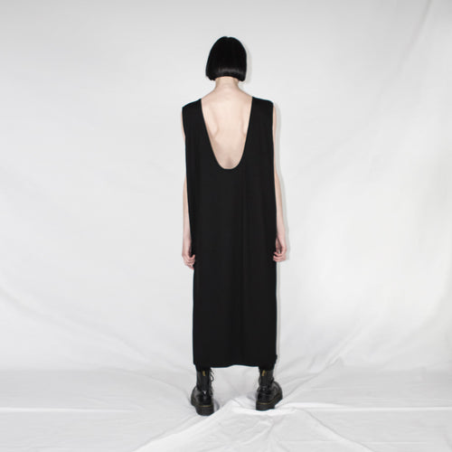 Neckline dress oversize black back