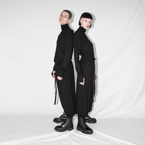 unisex mock turtleneck with thumbole black