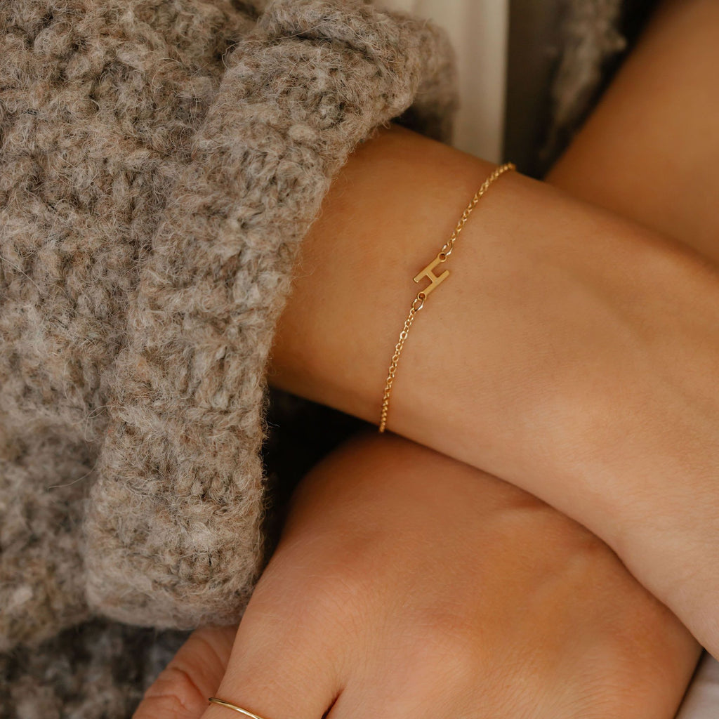 sideways initial letter bracelet with the letter H