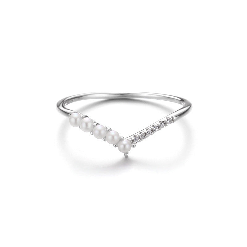 Cross The Path Pearl White Gold Ring