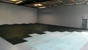 "Rubber Flooring Mat 4' X 6', 3/4"" PRE ORDER ONLY AVAILABLE MID DECEMBER"