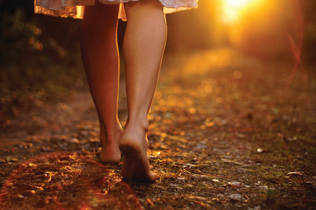 What is Earthing? And What are the Health Benefits?