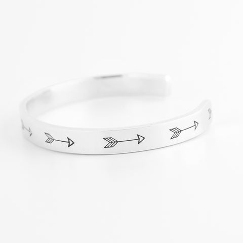 RETIRING STYLE Continuous Arrows Cuff Bracelet