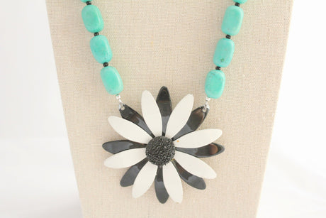 Black and White Beauty Daisy Necklace - bel monili, Pittsburgh PA, country living fair, vintage market days