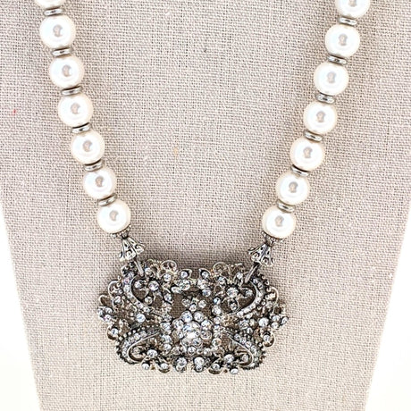 Pearl and Silver Vintage Rhinestone Focal Necklace