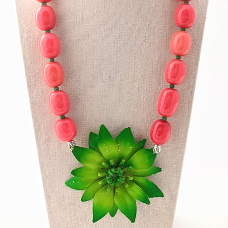Christmas Flower Necklace (CF4)