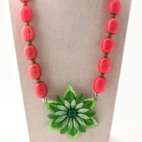 Christmas Flower Necklace (CF8)