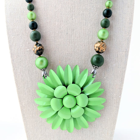 Mixed Greens Flower Necklace